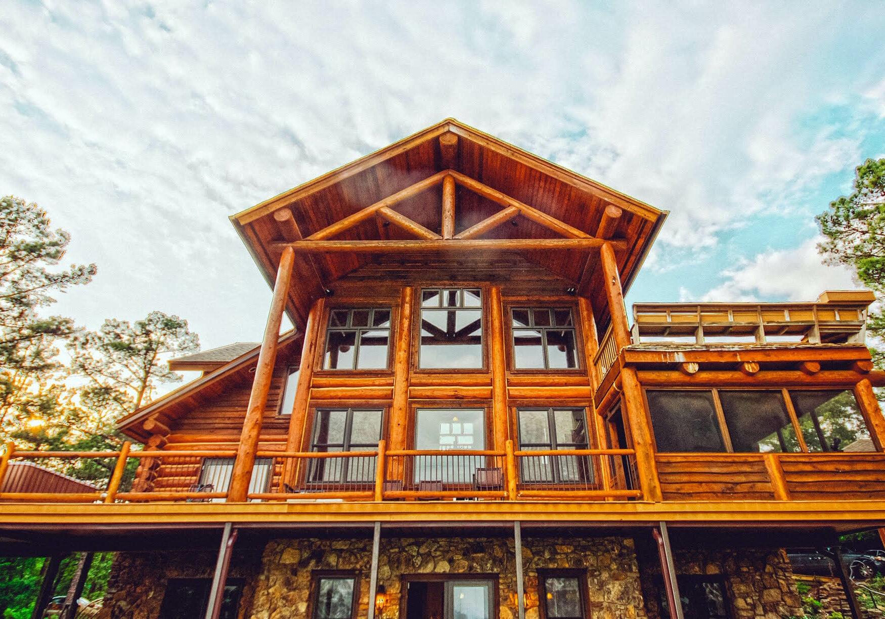 log home repair and restoration image 1